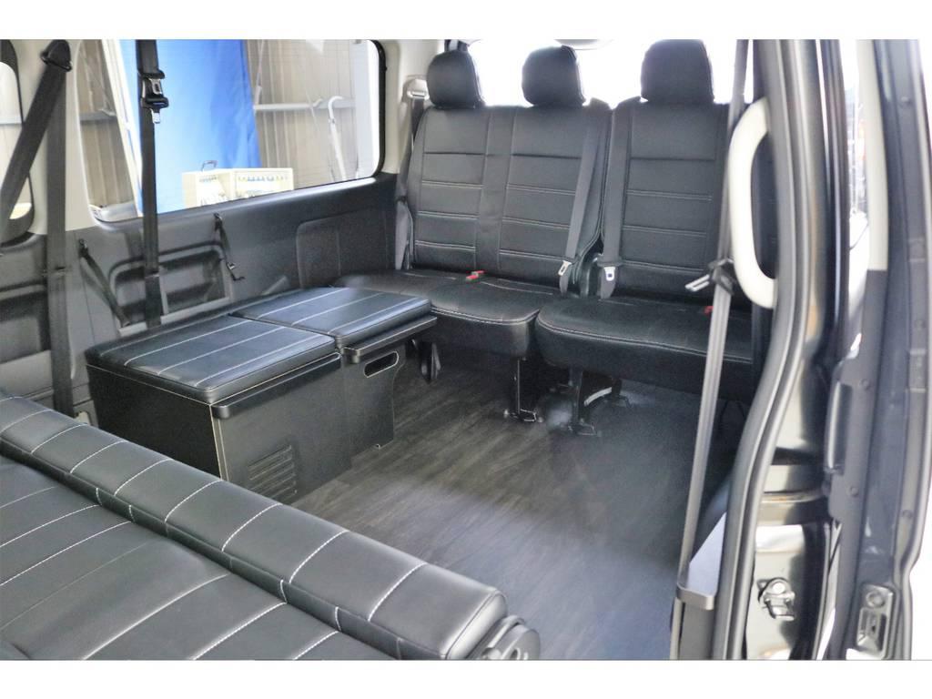 新車ではほぼ出てこない、横向き乗車!!!!!! | トヨタ ハイエース 2.7 GL ロング ミドルルーフ オリジナル内装R2