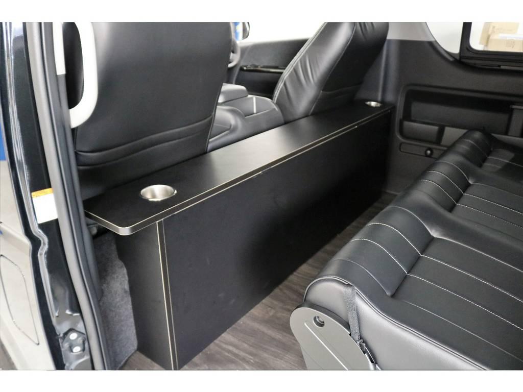 パーソナルテーブルを装着済みです!!!!!!テーブル内にベットマットに収納可能です!!!!!! | トヨタ ハイエース 2.7 GL ロング ミドルルーフ オリジナル内装R2