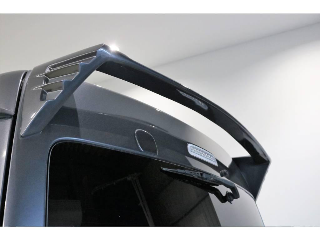 社外リアスポイラー装着済みで、見た目のインパクトもあり、高速道路などでのふらつきも軽減されます! | トヨタ ハイエースバン 3.0 スーパーGL ワイド ロング ミドルルーフ ディーゼルターボ