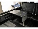 ベットマットにした状態でロングテーブルを装着することが可能です。