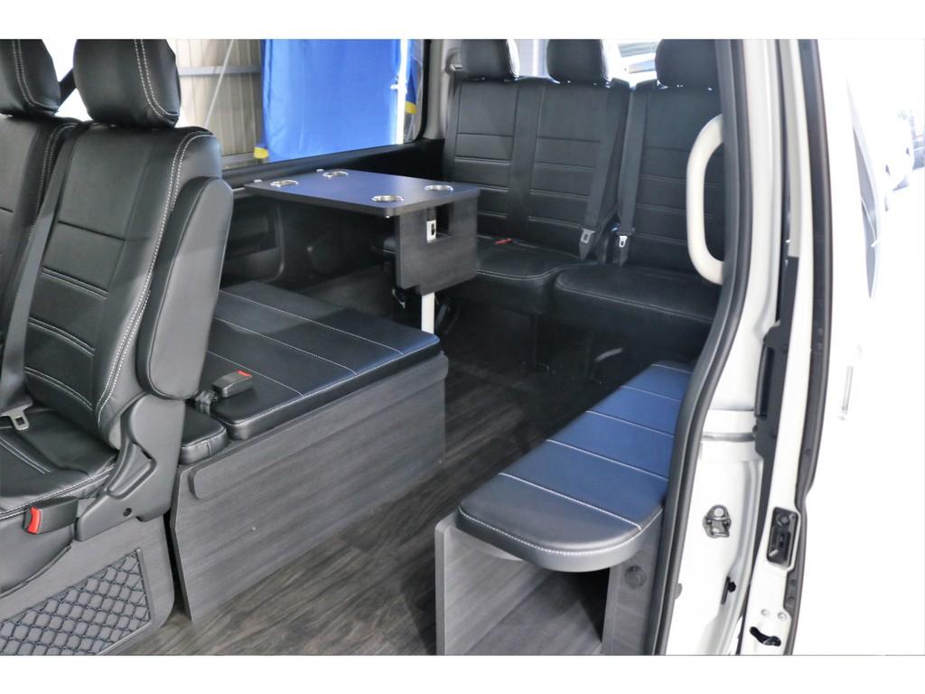 二列目は純正シートを使用していますので、後部座席へのアクセスがらくちんです