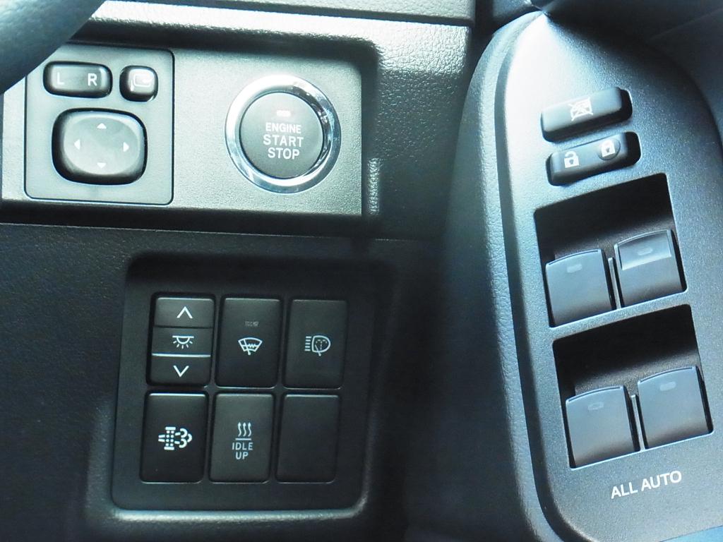 プッシュスタート | トヨタ ランドクルーザープラド 2.8 TX Lパッケージ Gフロンティア ディーゼルターボ 4WD 試乗車 カスタム多