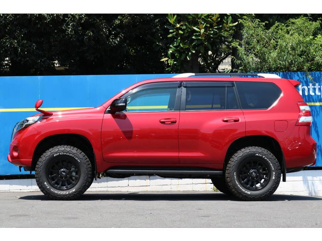 レッド×ブラックの組み合わせがCOOLです | トヨタ ランドクルーザープラド 2.8 TX Lパッケージ Gフロンティア ディーゼルターボ 4WD 試乗車 カスタム多
