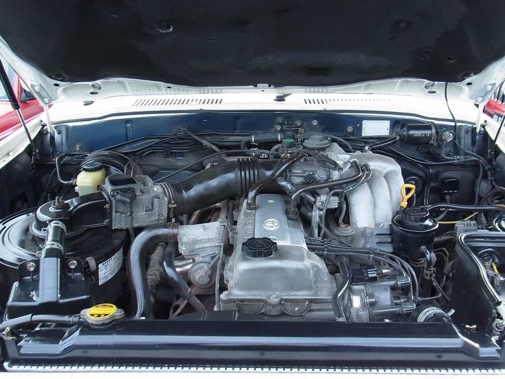 ランクルのエンジンはタフですよ。すごく | トヨタ ランドクルーザー80 4.5 VXリミテッド 4WD