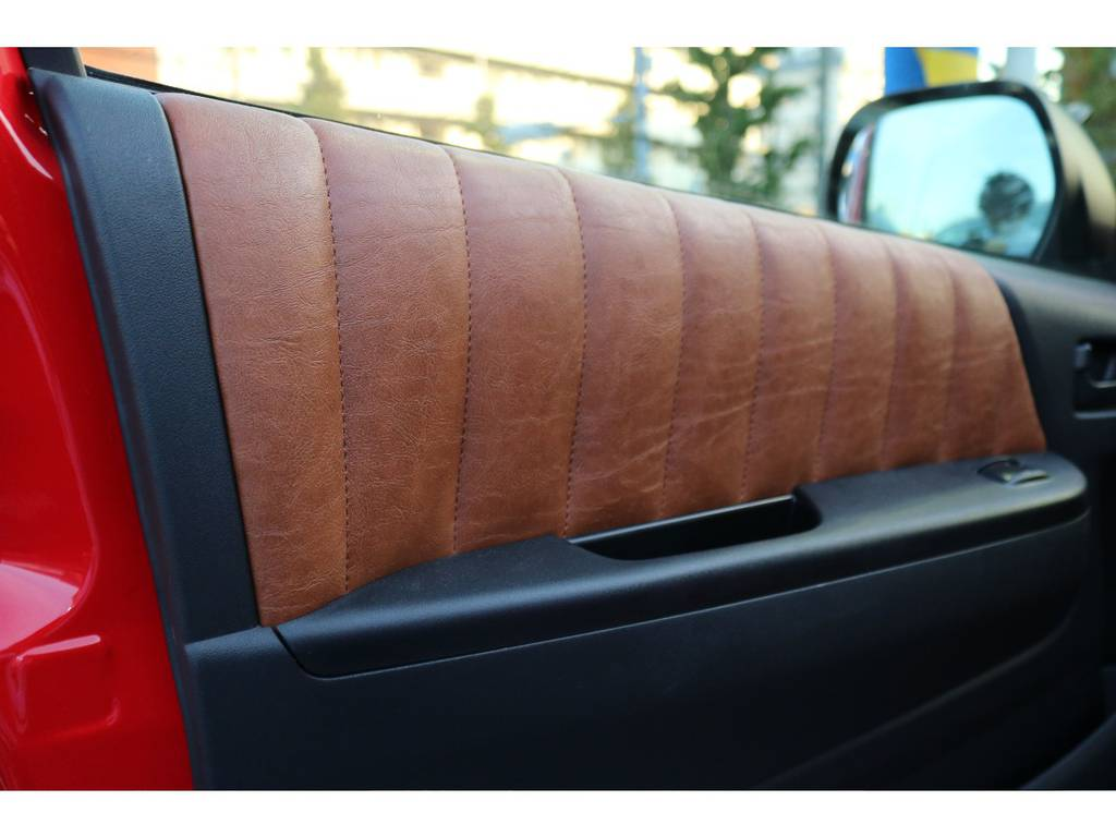 | トヨタ ハイエース 2.7 GL ロング ミドルルーフ 4WD 【CoastLinesレッド】