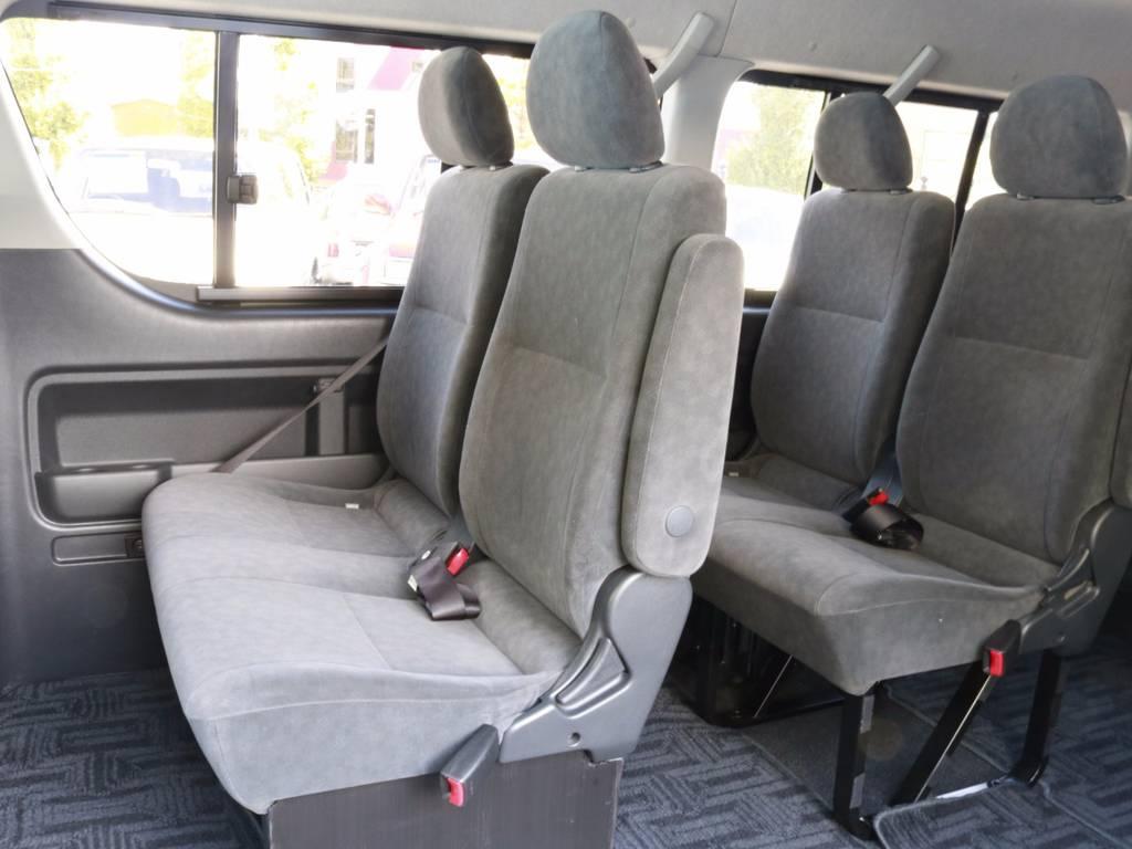 意外と使いやすい2列目3列目!開口部の広さとルーフの高さも相まって車内の移動も結構スムーズ!!
