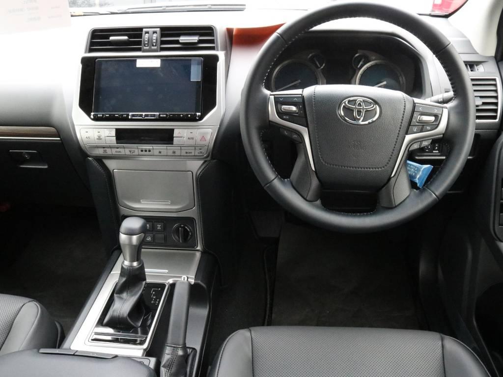 | トヨタ ランドクルーザープラド 2.8 TX Lパッケージ ディーゼルターボ 4WD 7人
