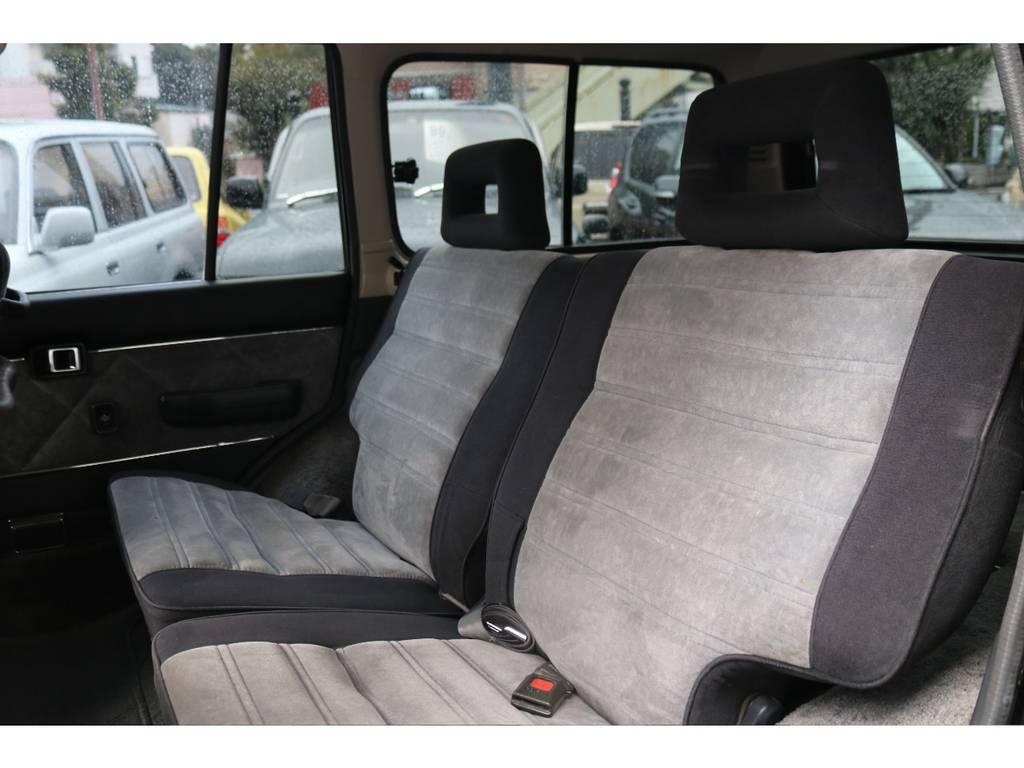 リアシートも広々!使用感少ないです! | トヨタ ランドクルーザー60 4.0 VX ハイルーフ 4WD