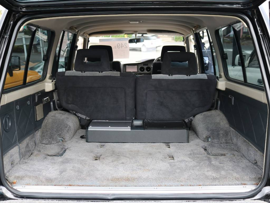 ラゲッジも広々!高さもあるので容量はかなりのものです! | トヨタ ランドクルーザー60 4.0 VX ハイルーフ 4WD