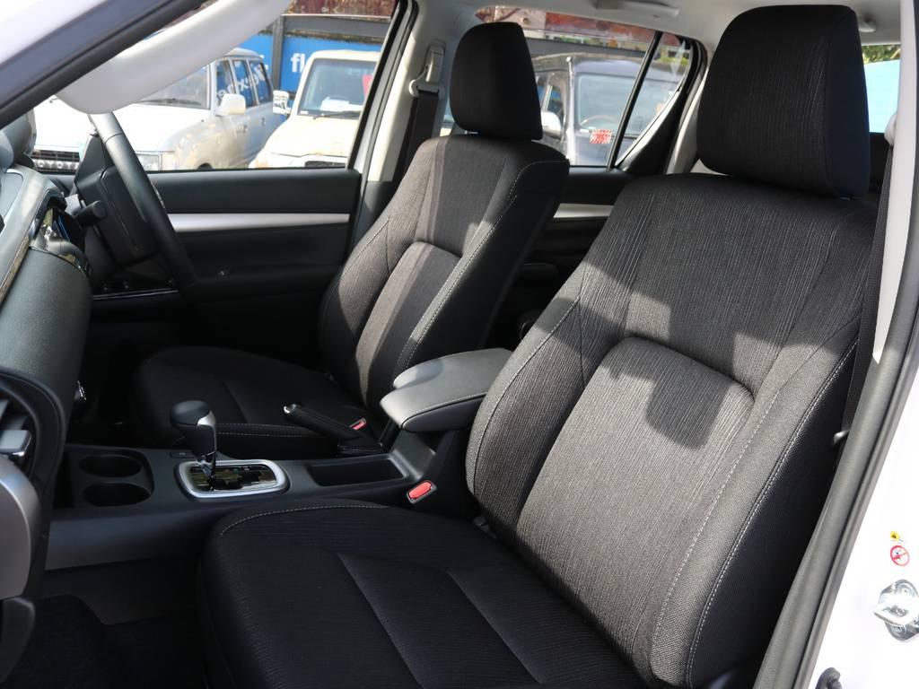 上級ファブリックシートはZグレード専用です | トヨタ ハイラックス 2.4 Z ディーゼルターボ 4WD Z