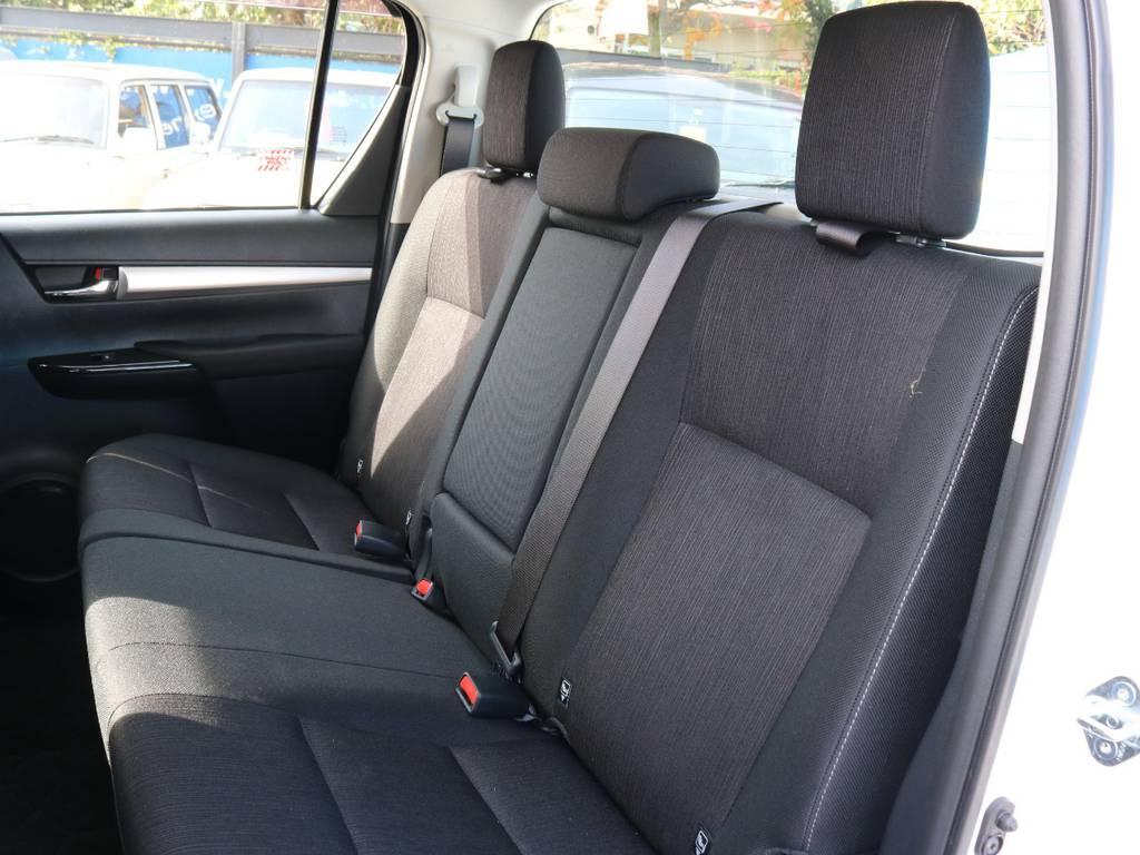 リアシートドリンクホールダー付き | トヨタ ハイラックス 2.4 Z ディーゼルターボ 4WD Z