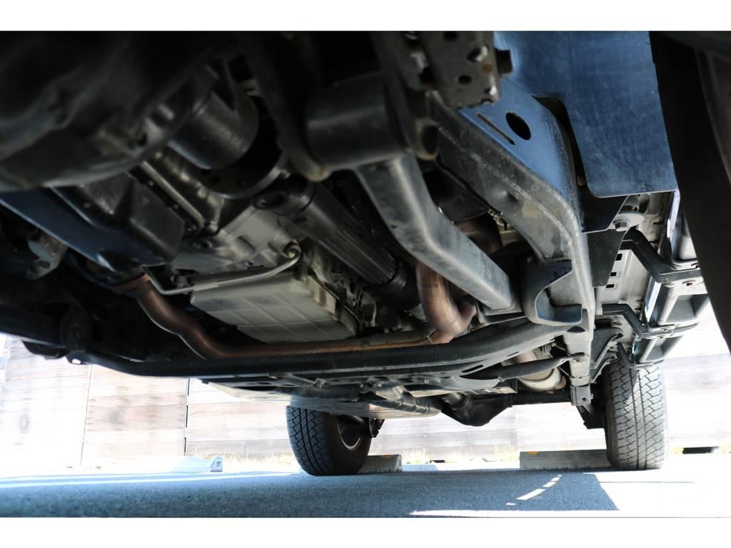 下回りもご覧の通り、劣悪な錆等なく綺麗な状態です! | ジープ ラングラー アンリミテッド スポーツ 4WD