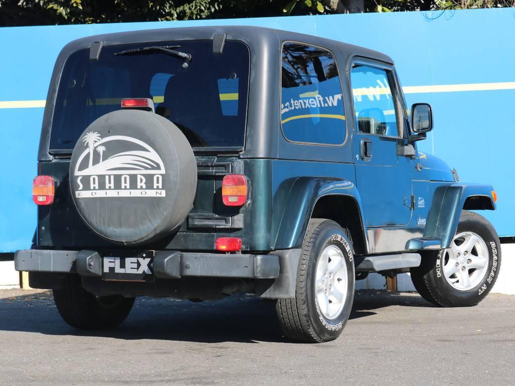 背面タイヤ付きで4WDらしい存在感抜群! | ジープ ラングラー サハラ ハードトップ 4WD
