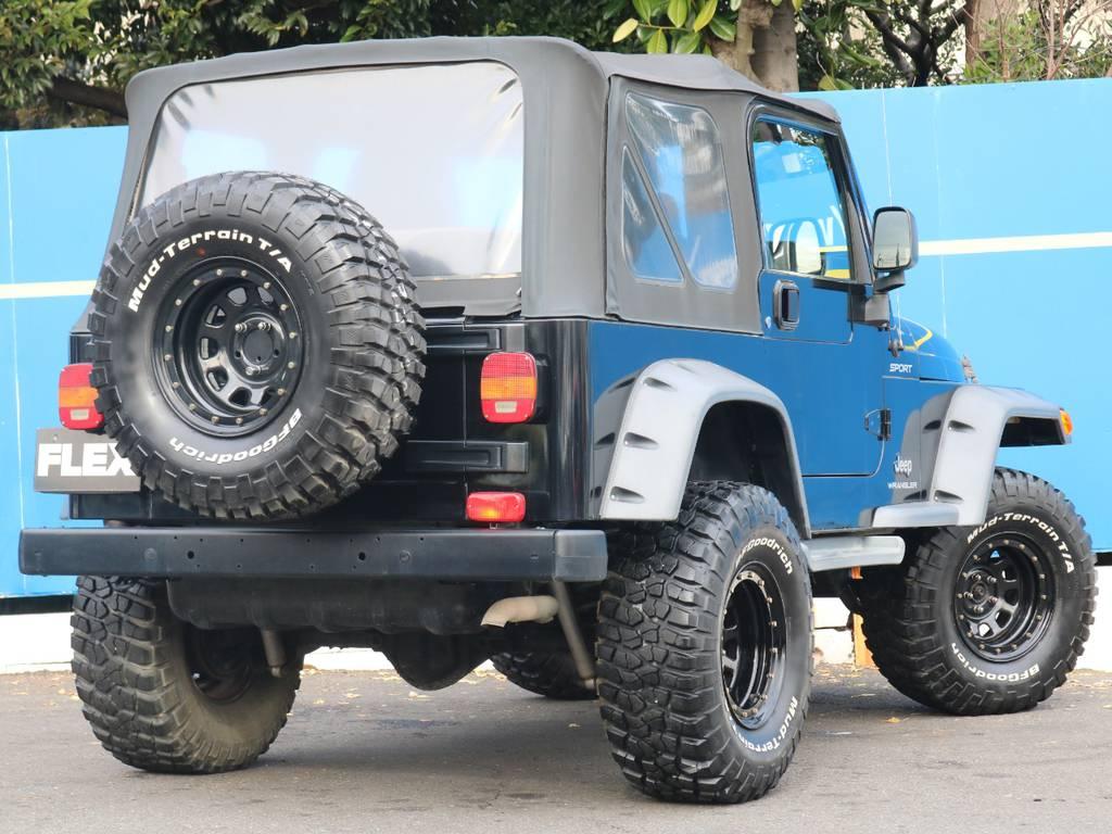 純正幌に背面タイヤ付き! | ジープ ラングラー スポーツ ソフトトップ 4WD
