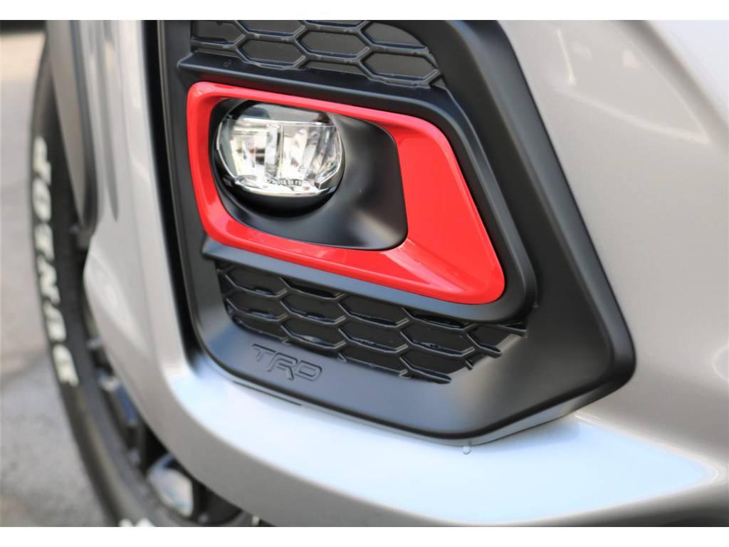 フォグランプベゼル、カッコイイですね! | トヨタ ハイラックス 2.4 Z ブラック ラリー エディション ディーゼルターボ 4WD TRDカスタムトラック