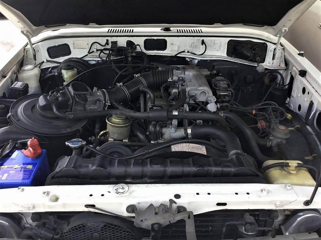 タイミングチェーンタイプの4000CCエンジン!