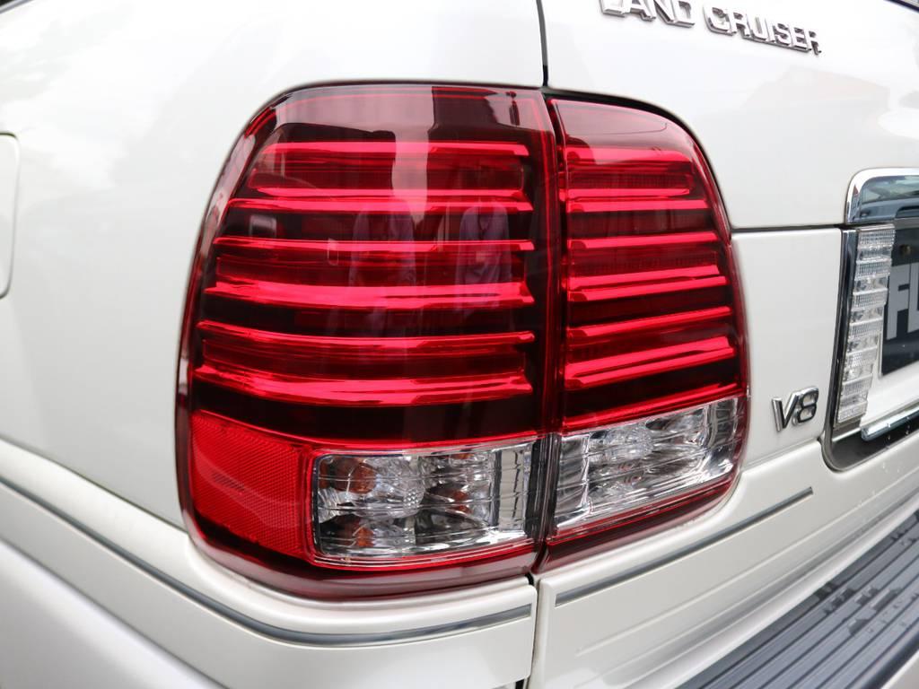 LEDテールレンズ | トヨタ ランドクルーザーシグナス 4.7 4WD