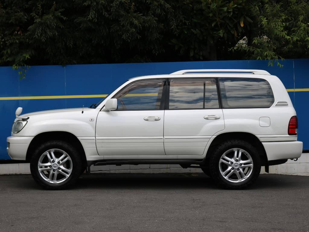 純正カラーのパールホワイトは当店でも人気の車両です! | トヨタ ランドクルーザーシグナス 4.7 4WD