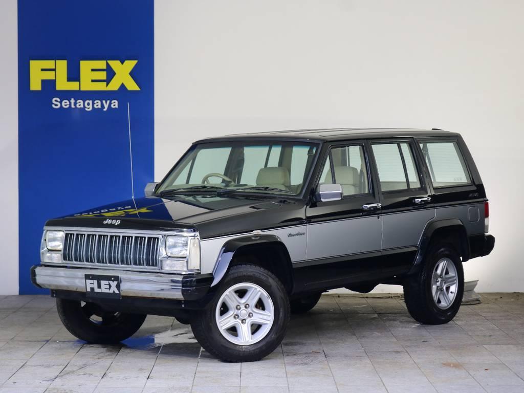 """スクエアなスタイル、コンパクトなボディに大排気量エンジンを搭載する""""これぞSUV""""なJeepチェロキーお買い得車両です♪"""