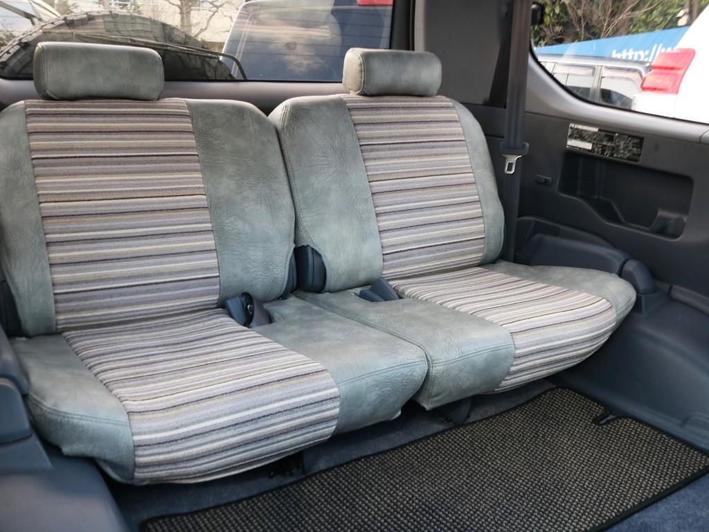 サードシート付で8人乗る事が可能です。