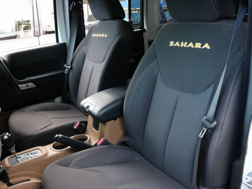 上級グレードのサハラ。高年式の低走行車両のため程度良好です。