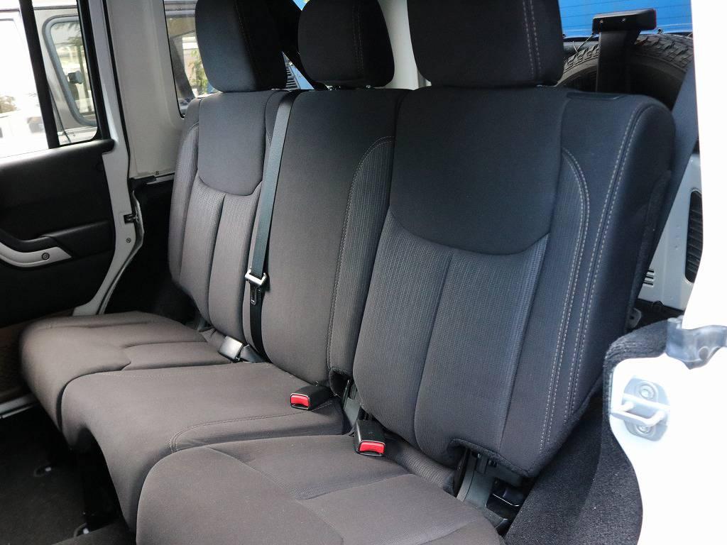 車が格好いいと、リアシートに座る方も楽しい気持ちになれますね!