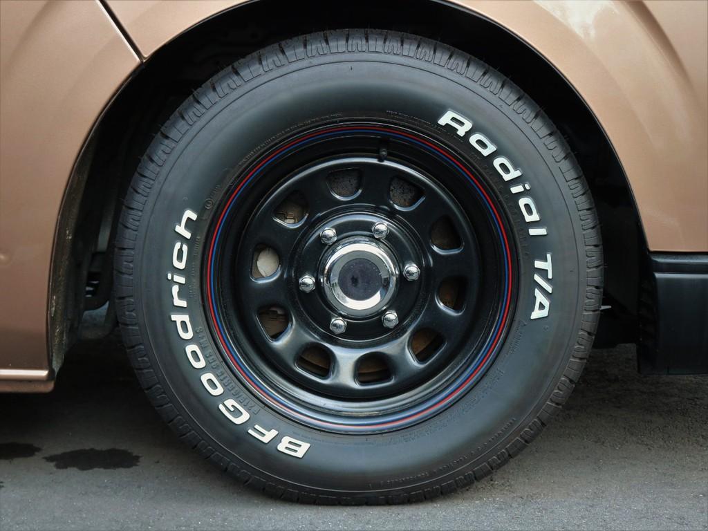 USバンをイメージしたBFGoodrichラジアルタイヤ×デイトナホイルがローダウンボディに映えますね。