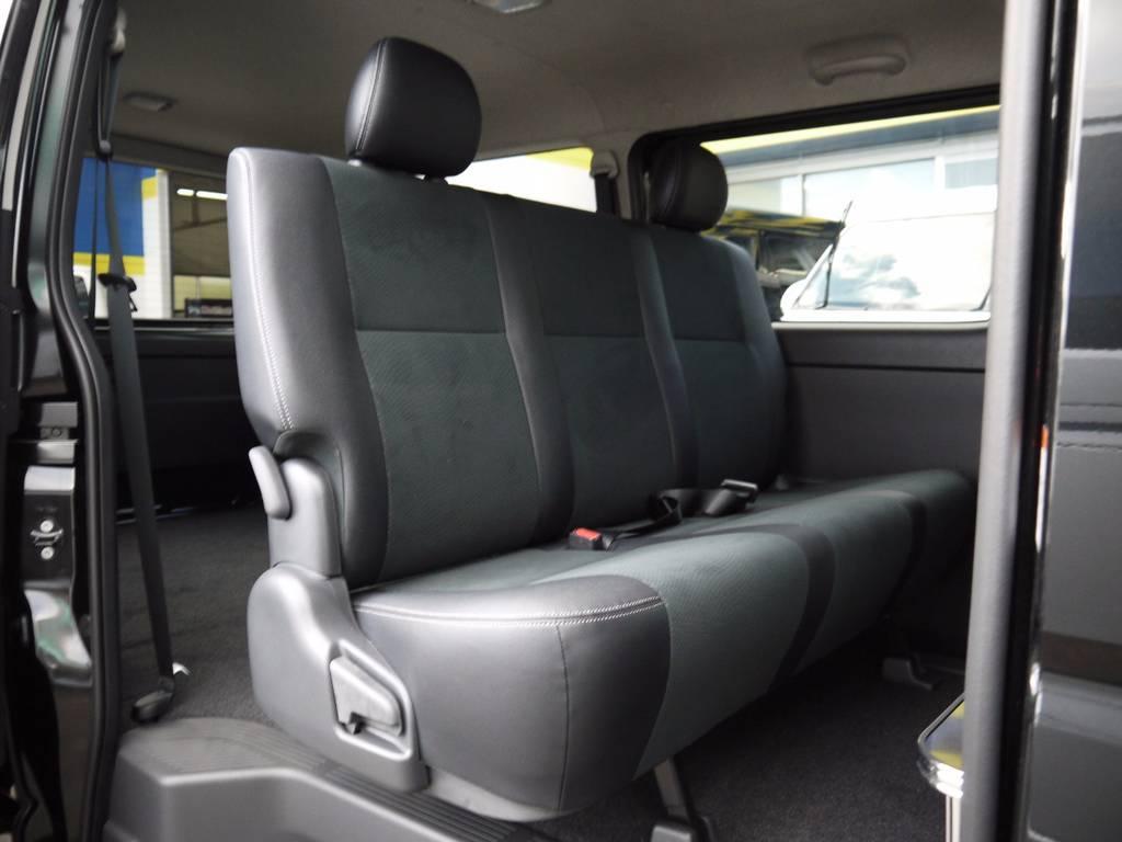 セカンドシートには後席シートベルトを標準装備!チャイルドシートの取付も可能です。