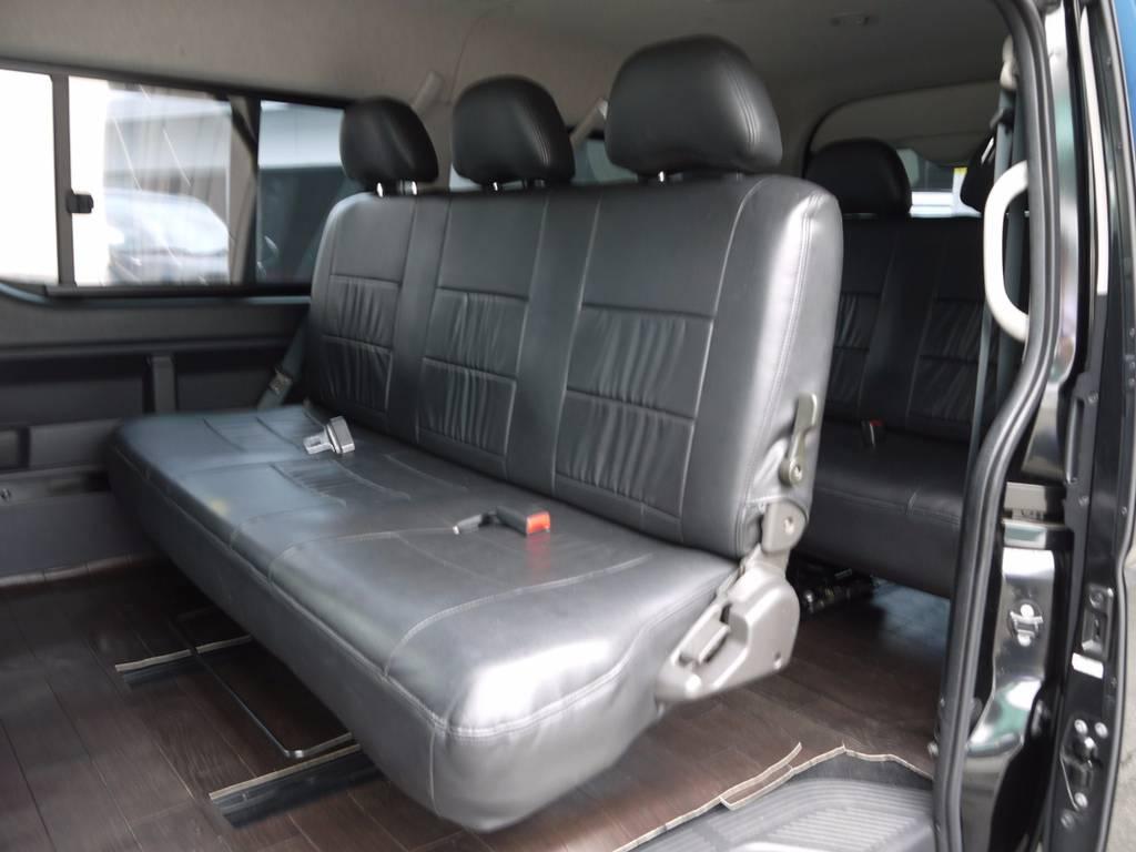 2・3列目には3人掛けベンチシートを搭載! | トヨタ ハイエース 2.7 GL ロング ミドルルーフ ワゴンKIT
