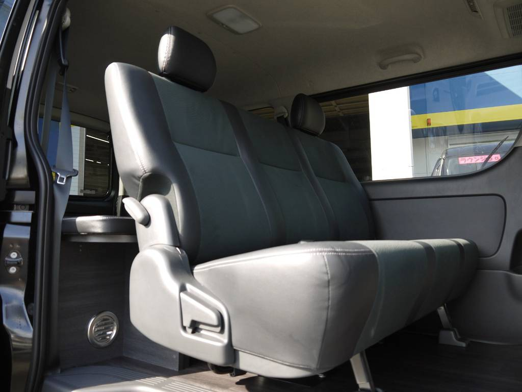 後席シートベルトも標準装備!チャイルドシートの取付もOK! | トヨタ ハイエースバン 3.0 スーパーGL  ダークプライム ロングボディ ディーゼルターボ Ver4DP