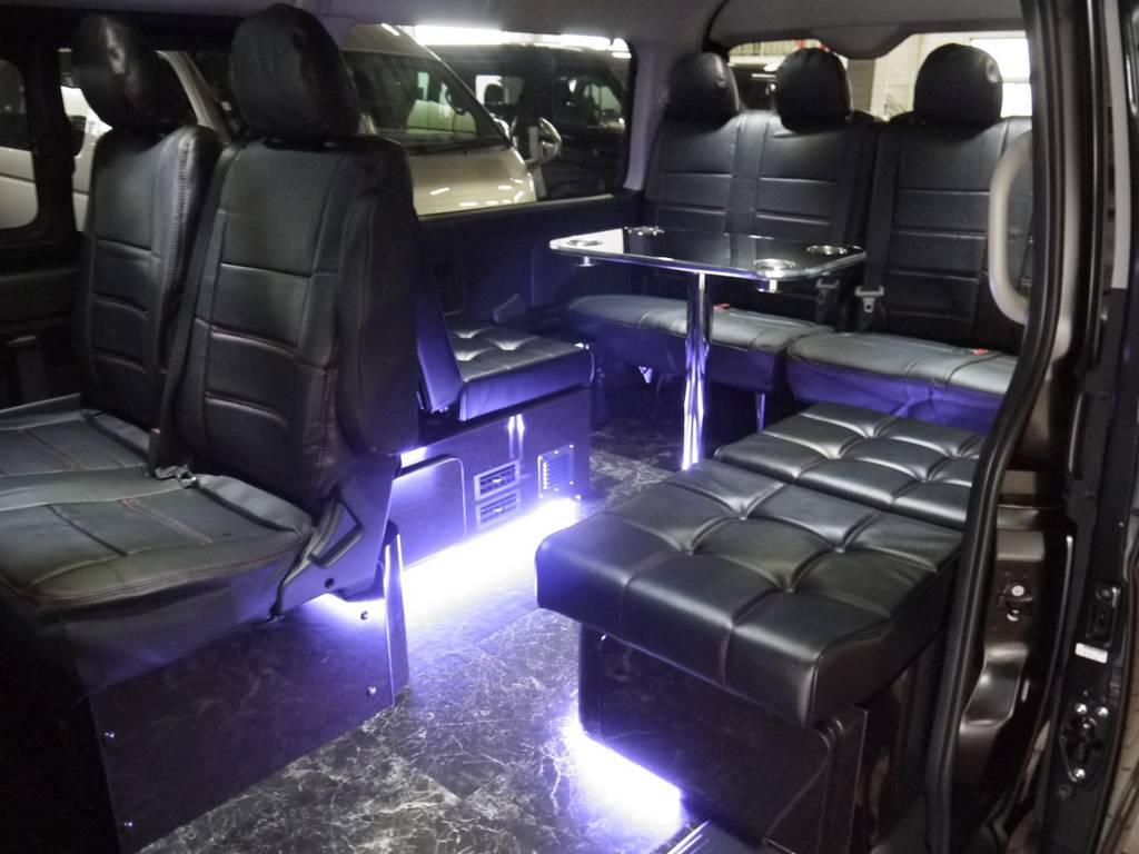 車内を豪華に演出するLED間接照明・天井ダウンライト完備! | トヨタ ハイエース 2.7 GL ロング ミドルルーフ ラウンジ5α