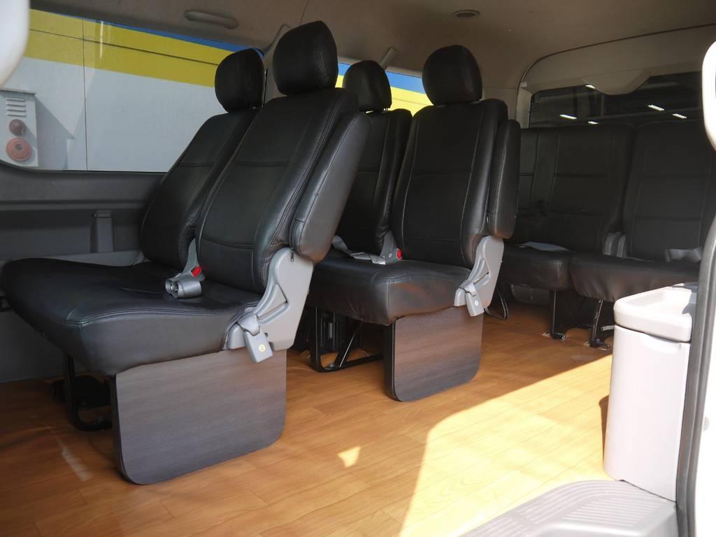 前から2-2-2-4のシート配列で乗り降りがし易く、送迎等でのご利用にもおすすめです。 | トヨタ ハイエース 2.7 GL ロング ミドルルーフ