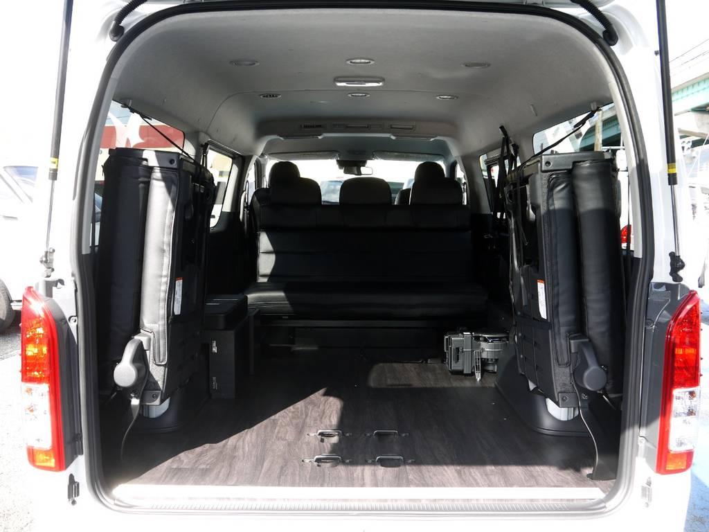 4列目シートを格納すれば広大なラゲッジスペースも確保できます。 | トヨタ ハイエース 2.7 GL ロング ミドルルーフ Ver2