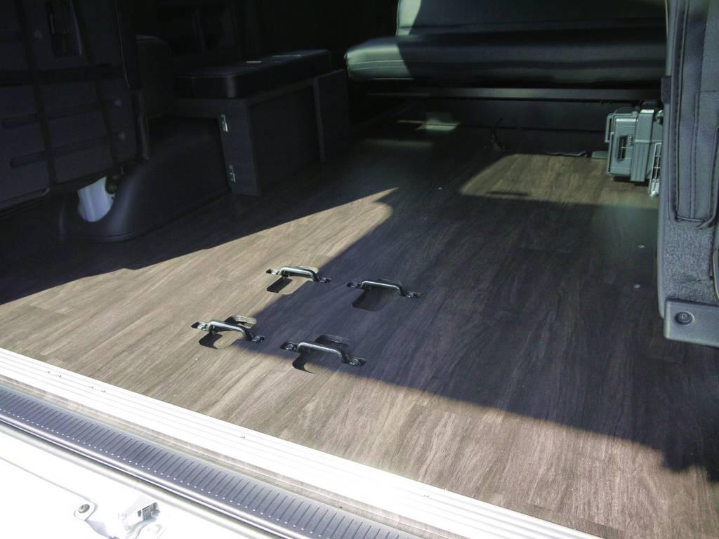 全面フローリング加工済み!見た目にも高級感があり汚れや水にも強くお手入れも楽々です。 | トヨタ ハイエース 2.7 GL ロング ミドルルーフ Ver2