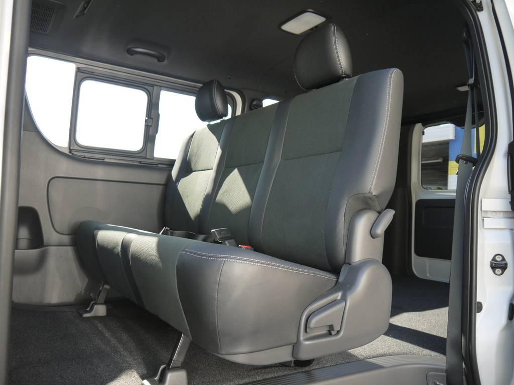 後席シートベルトも標準装備。チャイルドシートのお取り付けも可能です。   トヨタ ハイエースバン 2.0 スーパーGL ダークプライムⅡ ロングボディ GIBSONエアロ