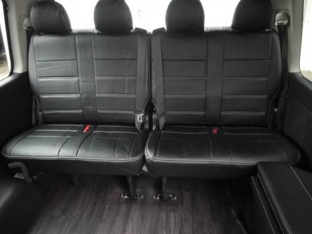 4列目は純正跳ね上げシートを採用しておりますので、前向き8名乗車が可能です。 | トヨタ ハイエース 2.7 GL ロング ミドルルーフ 4WD TSS付 R1