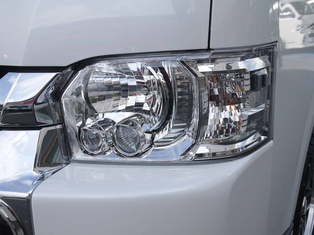 メーカーオプションのLEDヘッドライトも完備しております。 | トヨタ ハイエース 2.7 GL ロング ミドルルーフ 4WD TSS付 R1
