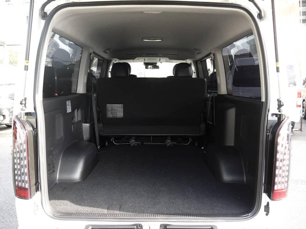 広大なラゲッジスペースも確保できます。ご要望に応じて各種追加カスタムも喜んで承ります! | トヨタ ハイエースバン 2.8 スーパーGL ダークプライム ロングボディ ディーゼルターボ 4WD TSSP