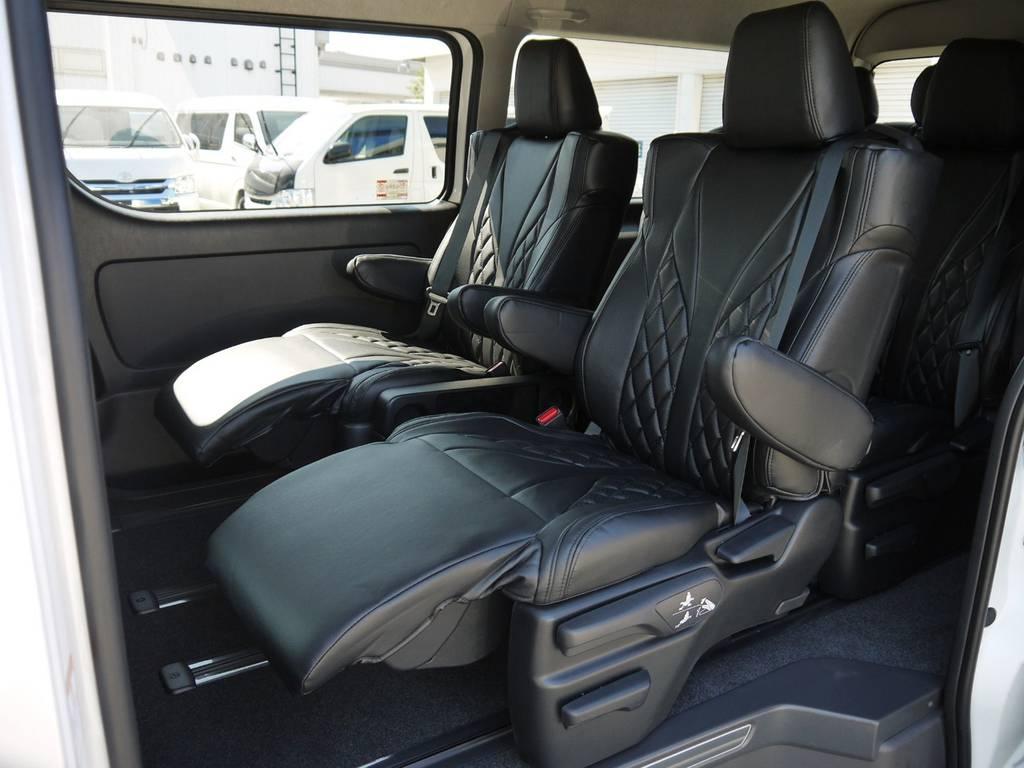 オットマン付き4キャプテンシート搭載! | トヨタ ハイエース 2.7 GL ロング ファインテックツアラー COBRAコンプリート