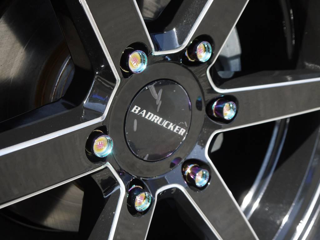 足元にキラリと光る415COBRA鍛造ナット! | トヨタ ハイエース 2.7 GL ロング ファインテックツアラー COBRAコンプリート