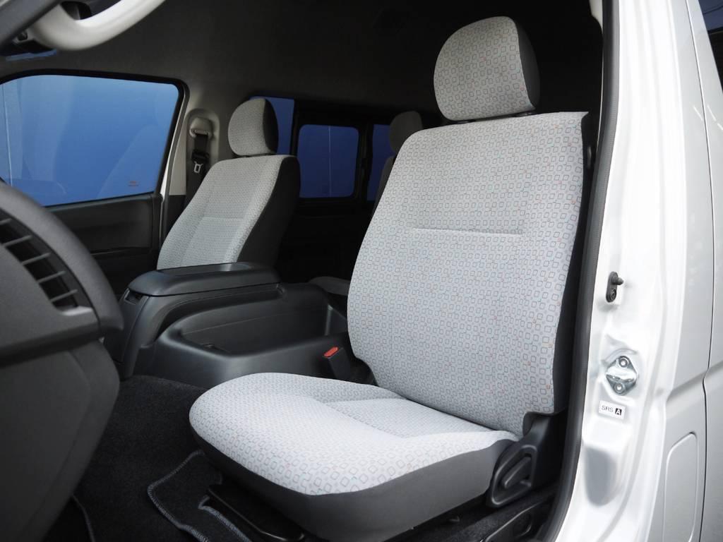 シートカバー等の追加カスタムもお気軽にご相談下さい。 | トヨタ ハイエースコミューター 2.8 GL ディーゼルターボ 3ナンバー乗用構造変更