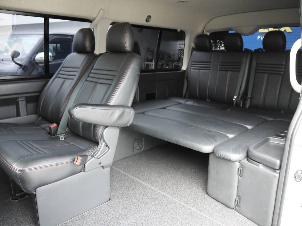 純正3rdシートポジションに横座り座席家具を配置したシートアレンジ車! | トヨタ ハイエース 2.7 GL ロング ミドルルーフ ベッドキットシートアレンジ