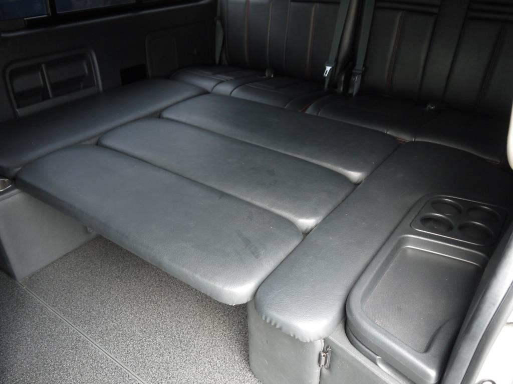 2列目後方はフルフラットベッドとしてもご利用いただけます。 | トヨタ ハイエース 2.7 GL ロング ミドルルーフ ベッドキットシートアレンジ