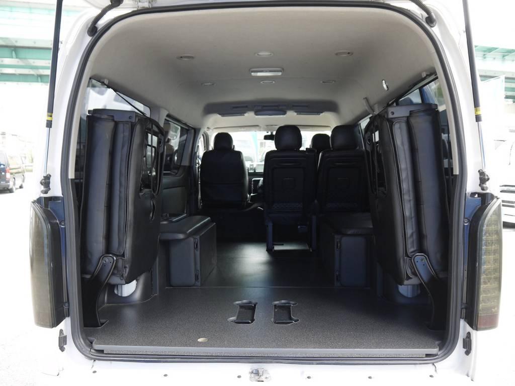 4列目シートを格納すれば広大なラゲッジスペースも確保できます! | トヨタ ハイエース 2.7 GL ロング ミドルルーフ ベッドキットシートアレンジ