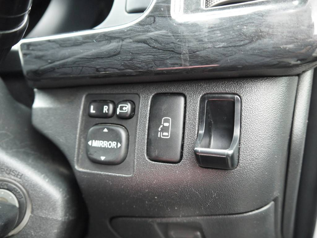 新車時メーカーオプションのパワースライドドアも完備しております。 | トヨタ ハイエース 2.7 GL ロング ミドルルーフ ベッドキットシートアレンジ