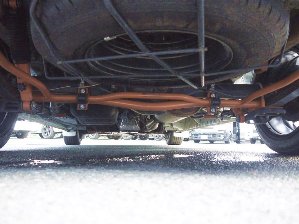 ユーアイビークル強化リヤスタビライザー!左右の揺れを軽減し安定したコーナーリングを実現!