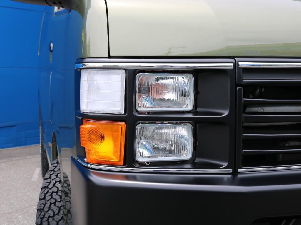 角目ヘッドライト 4灯式