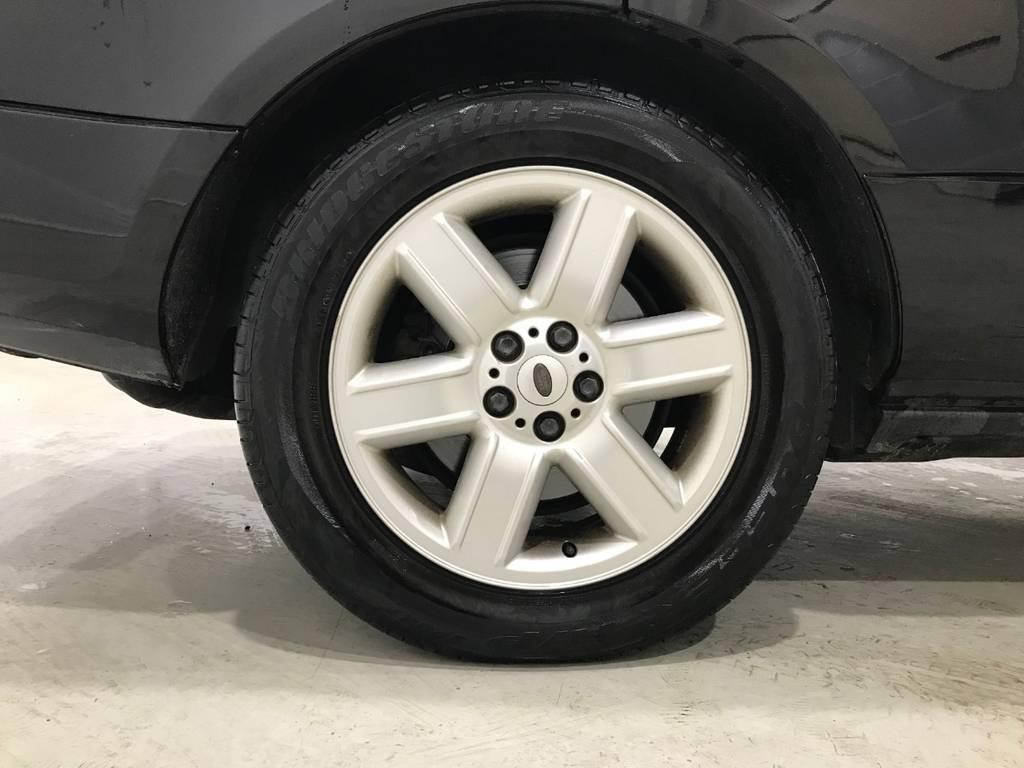 アルミは純正です。タイヤの溝もまだあります!