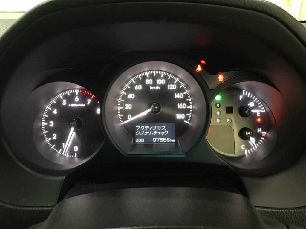 距離は約10万キロです!結構頑張っていますがエンジンはトヨタ製なので最低限のメンテさえすればこれからも元気に走れます!