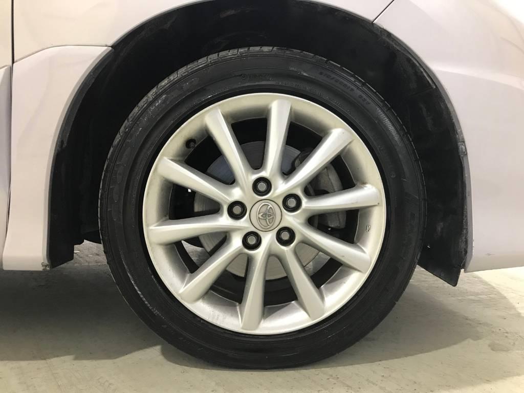 タイヤはまだ溝があるのですぐに交換する必要はないです。